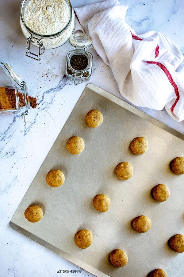 Biscotti pfeffernussen preparazione