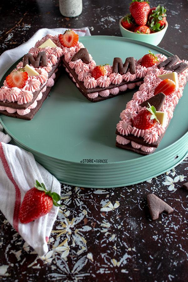 letter cake con fragole