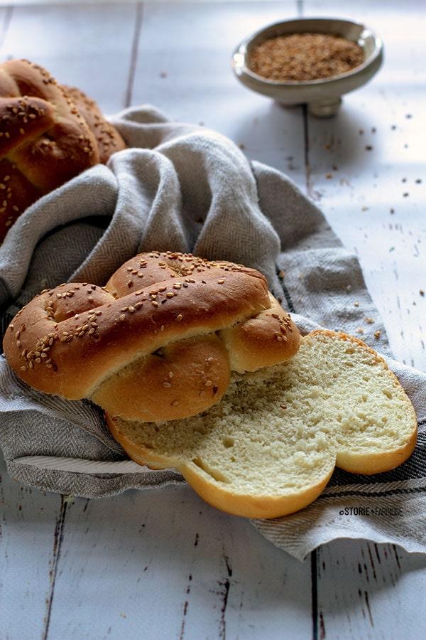 pane di semola tagliato