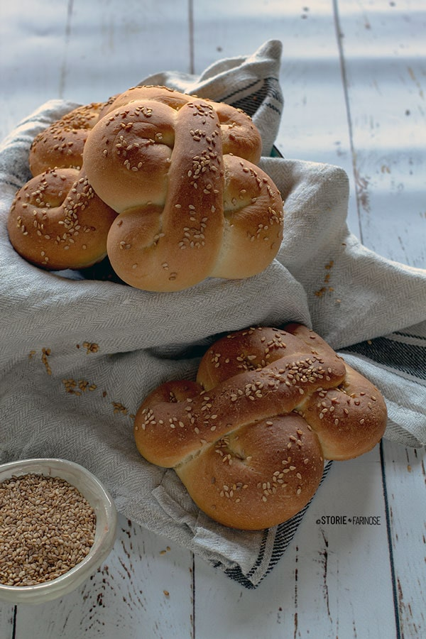 pane di semola con semi di sesamo